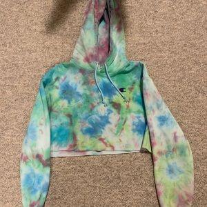 Champion Cropped Tye-Dyed Hoodie